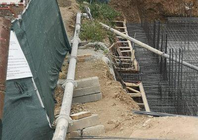Транспортиране на баетон със стацонарна бетон помпа